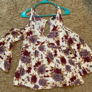 Floral off the shoulder American Eagle top